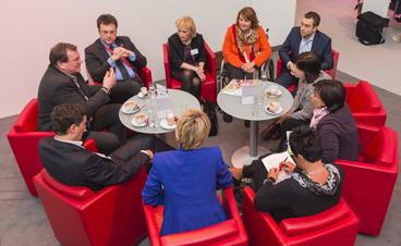 Gruppe von Menschen auf der ITB in Berlin