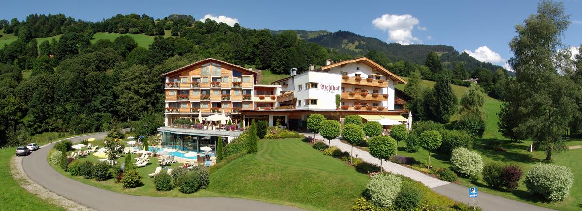 Panoramabild Hotel Bichlhof, Sommer © M.Joebstl